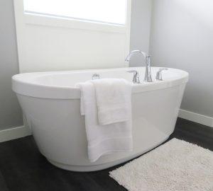 bathtub-2485957_1280